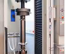 Mit verschiedenen Prüfszenarien lassen sich CfK-Werkstoffe und Bauteile prüfen. (Bild: Zwick)