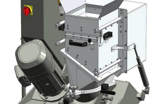 Tiefergelegt und mobil: Diese Mühle hat eine Gesamthöhe von 1050 Millimeter und lässt sich unter Separiertrommeln, Ausfallschächten oder Spritzgießmaschinen aufstellen. (Bilder: Getecha)