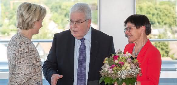 Auszeichnung: Dr. Dieter Kress erhält Staufermedaille in Gold