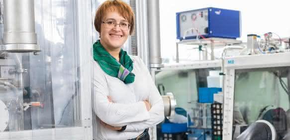 Prof. Dina Fattakhova-Rohlfing an ihrer Arbeitsstätte.