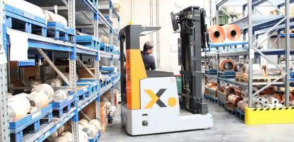 Die Schubmaststapler SQ sind besonders für Unternehmen geeignet, bei denen die Transportanforderungen durch besonders schwere und sperrige Lasten steigen.