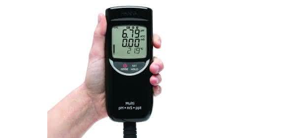 Nur wenige Sekunden dauert die Bestimmung des gewünschten Parameters mit den neuen Handmessgeräten der HI99er-Reihe von Hanna Instruments. (Bild: Hanna Instruments)