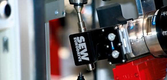 SEW Eurodrive: Magnetbestückung der Rotoren von Synchron-Servomotoren