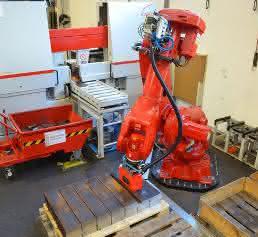 Robotertechnik entlastet Mitarbeiter von schweren, ermüdenden und monotonen Tätigkeiten