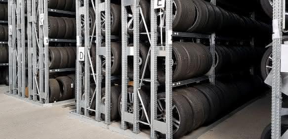 Lagertechnik-Hochregallager-Reifen