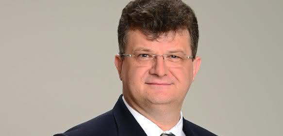 Dr. Albert Schmidt