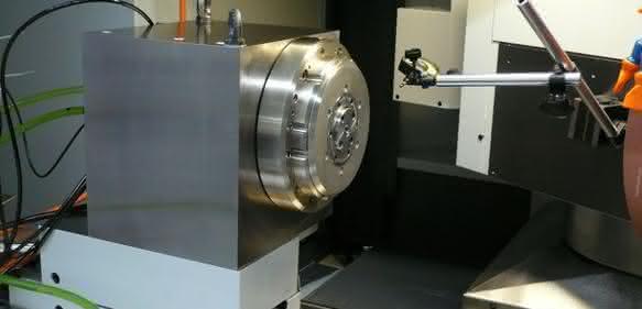 GrindTec: Werkstückspindelstock-Direktantrieb zum Schleifen