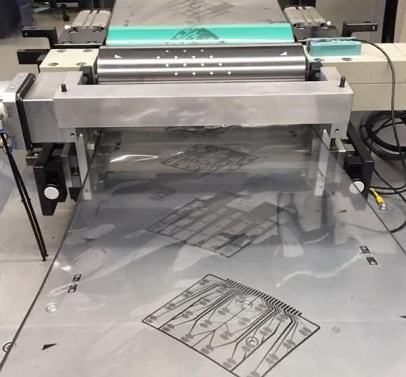 Gerät zur Herstellung von Endlosfolie mit gedruckten Biosensoren