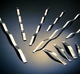 Linearfedern: Flachdraht-Linearfedern für Einrast-, Anpress- und Abdichtprobleme