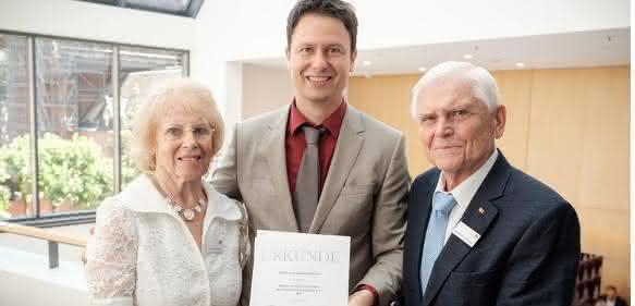 Preisträger PD Dr. Benjamin Meder mit dem Stifterehepaar Ursula und Wilhelm P. Winterstein