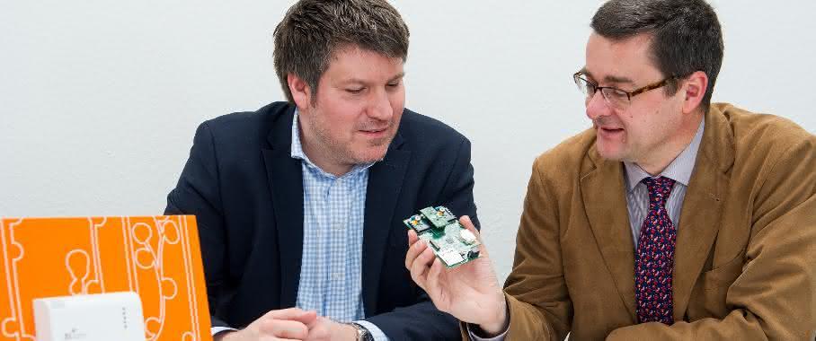 Prof. Andreas Schütze und Thorsten Conrad