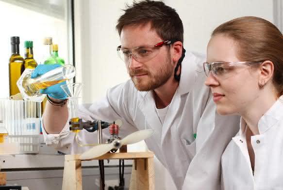 Maßgeschneiderter Biokraftstoff: Unverdünnt für Dieselmotor einsetzbar