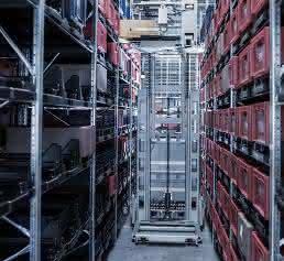 Varobot vereint die hohe Flexibilität eines manuellen Lagers mit den Vorteilen eines automatischen Systems