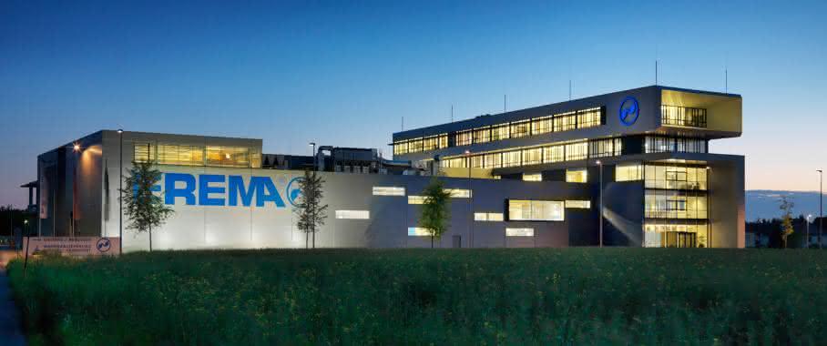 Die 500 Mitarbeiter der Erema-Gruppe generierten nach Unternehmenangaben im vergangenen Geschäftsjahr einen konsolidierten Rekordumsatz von 138 Mio. Euro. (Bild: Erema)