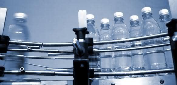 Flaschen in Sortieranlage