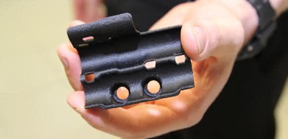 Klammer für Hydraulikleitung aus dem 3D-Drucker