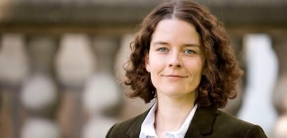 Prof. Dr. Regina Palkovits von der RWTH Aachen erhält den Dechema-Preis 2016.