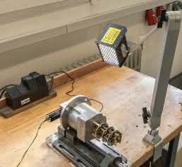 Portables Stroboskop: Aufbau eines Prototypenprüfstands für Tachogeneratoren