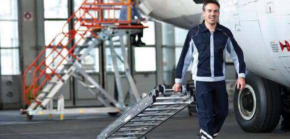 Gerüste und Leitern: Neuer Ratgeber rund um die Steigtechnik