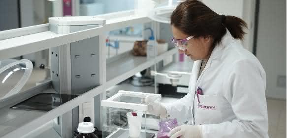 Oberflächenbeschichtung: Evonik eröffnet Labor für Coating Additive in der Türkei