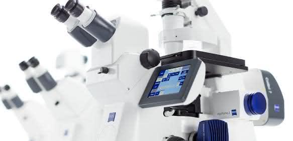 Zeiss Axio Observer kombiniert bewährte Zeiss Optik mit neuen Automationsoptionen und erlaubt Forschern, selbst anspruchsvollste multimodale Bildaufnahmen von lebenden und fixierten Proben durchzuführen.