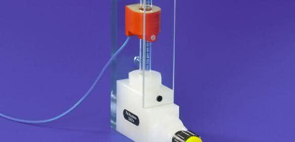 Für die präzise Ermittlung von Volumen-Durchflussraten strömender Gase oder Flüssigkeiten in geschlossenen Rohr- oder Schlauchleitungen bietet Reichelt Chemietechnik eine umfassende Auswahl bewährter Schwebekörper-Durchflussmesser.