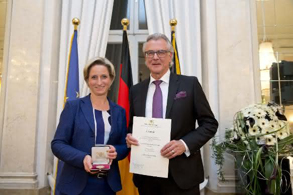 Dr. Nicole Hoffmeister-Kraut und Alfred Späh