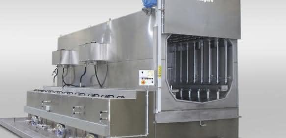 Spritz-Flut-Anlage: Bauteile gründlich reinigen