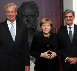 Angela Merkel mit Joe Kaeser und Gerhard Cromme