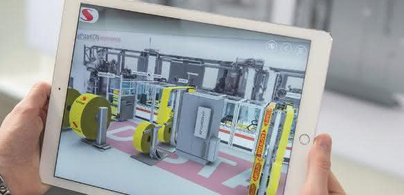 Die Besonderheiten Hochgeschwindigkeits-Konfektionierung konnten K-Besucher mit Hilfe der Augmented Reality-Applikation erleben. (Bilder: Starlinger)