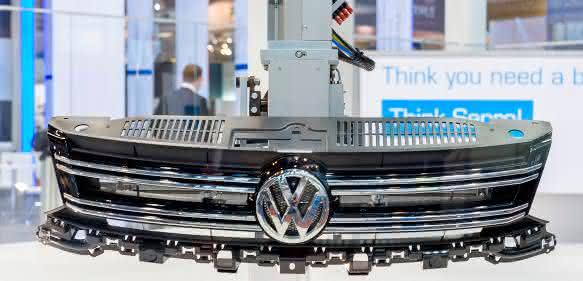 Die Automobilindustrie stellt zur Fakuma traditionell spektakuläre Exponate zur Verfügung. (Bilder: Schall)