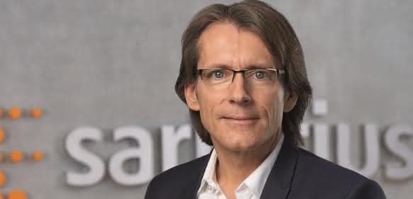 """Dr. Joachim Kreuzburg, Vorstandsvorsitzender von Sartorius: """"Gegenüber dem Vorjahreszeitraum konnten wir unseren Umsatz um 18 % und den Gewinn sogar um ein Viertel erhöhen."""""""