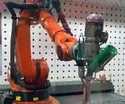 Industrie-Extruder mit Werkzeug für Schweißen und 3D-Druck. (Bild: Dohle)