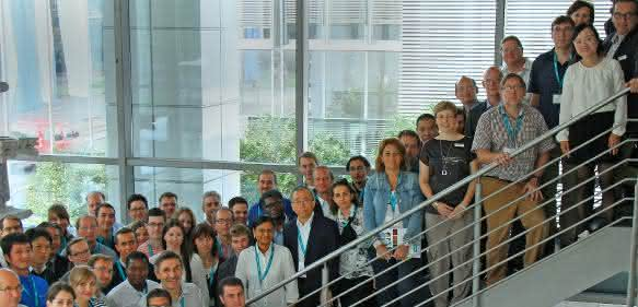 Teilnehmer des 13. Symposiums über Konfokales Raman Imaging.
