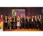"""Preisverleihung beim """"handling award"""": Ein Dutzend Preise in vier Kategorien – und zwei Ehrenpreise für das Lebenswerk"""