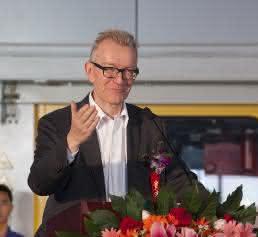 Dr. Peter Jost