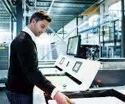Kommissionierung bei Adidas mit Ware-zur-Person