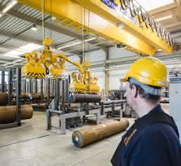 Stahl CraneSystem 14 Tonnen hängen am Magneten