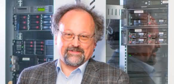 Karl Schmatzer ist Studiengangleiter an der Akad University.