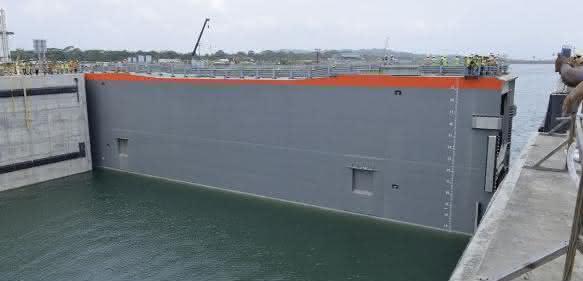 Panama-Kanal neue Fahrrinne Schleusentore