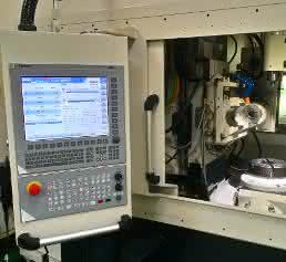 Feng Chia Universität - NUM - Wälzfräsmaschine