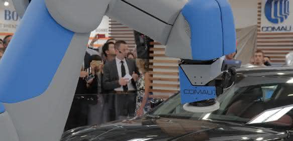 Comau Roboter auf der Automatica 2016