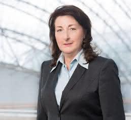 Dr. Deliane Träber