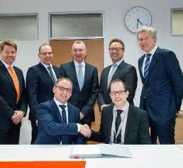 Unterzeichnung der Kooperation zwischen Concept Laser und Premium Aerotec