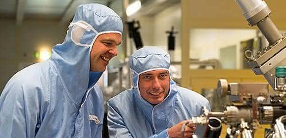 Martin Kamp und Prof. Sven Höfling
