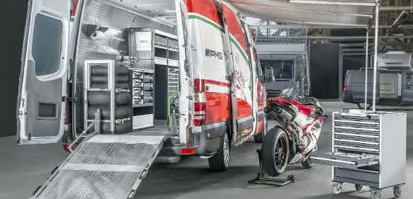Mercedes-Benz Sprinter mit Bott Fahrzeugeinrichtung