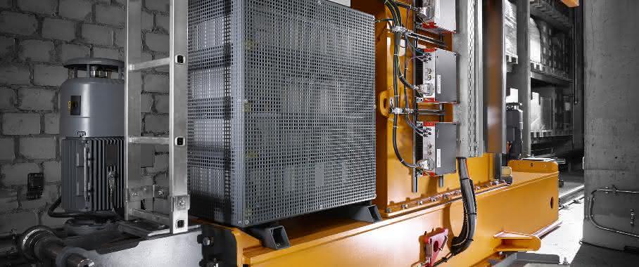 Regalbediengerät mit Energiespeichersystem