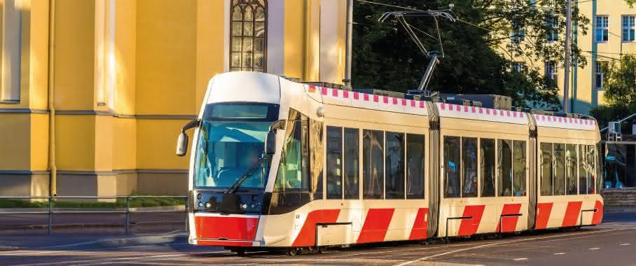 Straßenbahn mit Oberleitung in Tallin