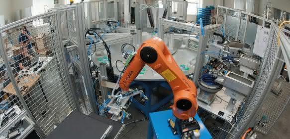 Rundschalttisch mit Kuka Roboter