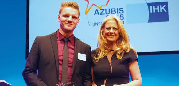 Max Eske von SAB Bröckses mit Barbara Schöneberger